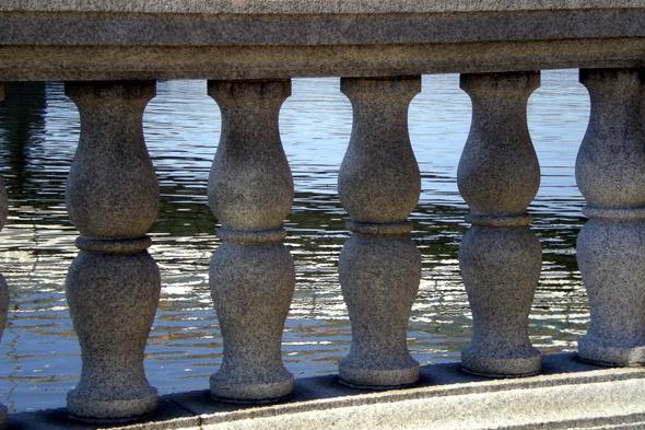 Иллюзия отражения в воде